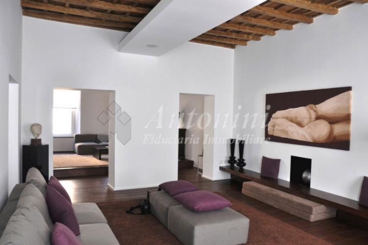 Historic Center adj. Piazza Navona 260 sqm