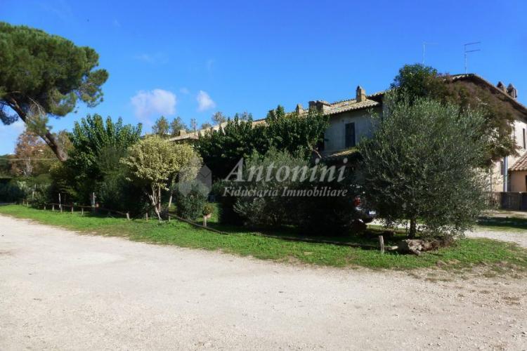 Roma Via Nomentana Parco Azzurro Farm on sale 1600 sqm