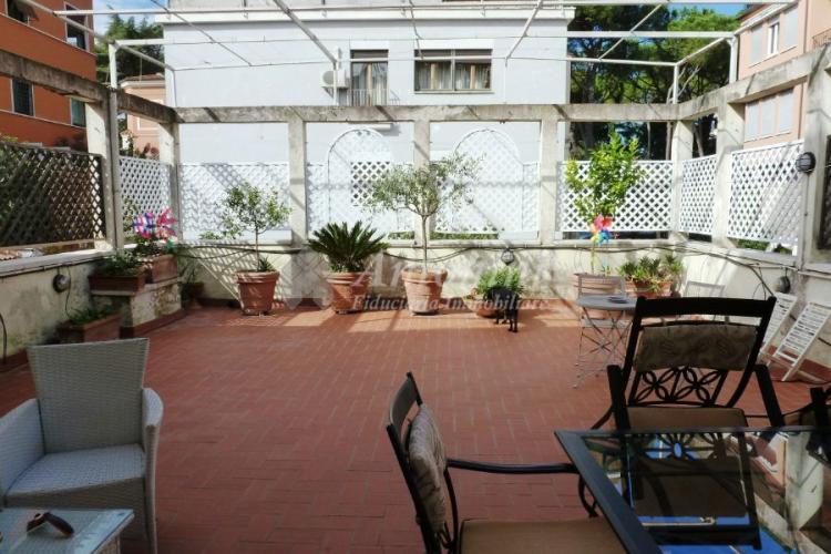 Parioli (Viale) Penthouse 160 sqm