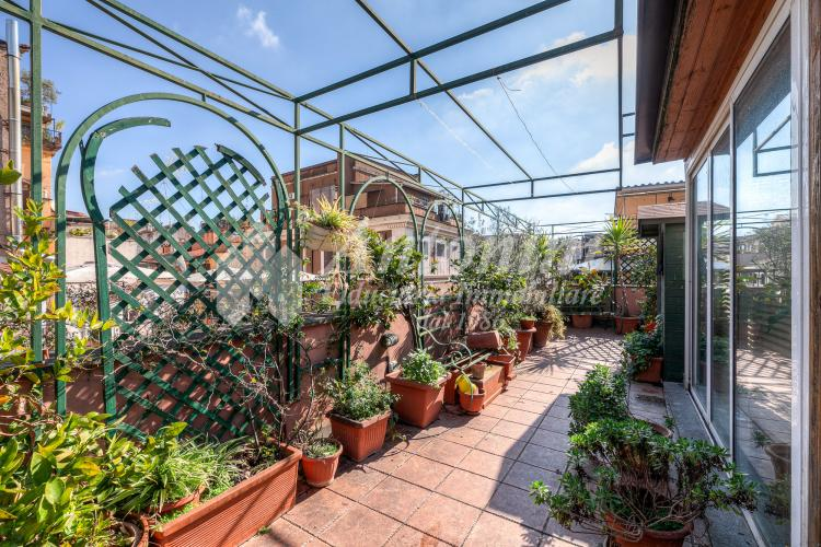 Roma Centro Storico Monti Penthouse Via del Boschetto 92 sqm