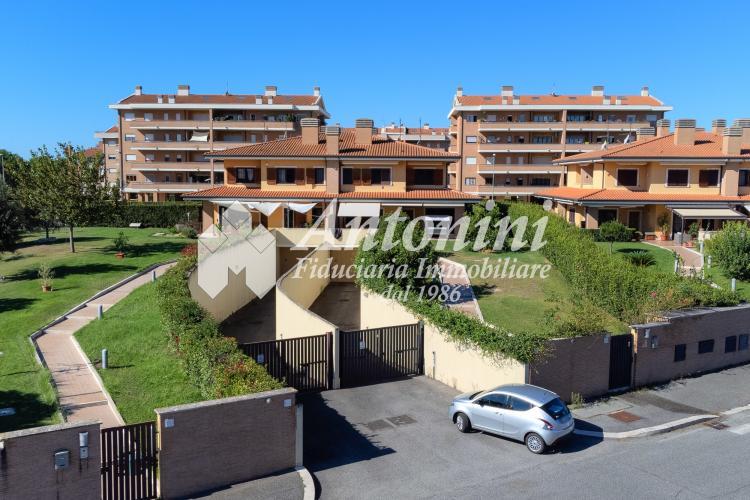 Bufalotta Via Carlo Muscetta Villa 230 sqm