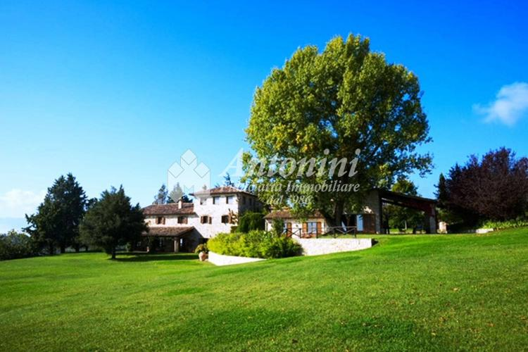 Umbria - Todi (Perugia) Villa on sale 585 sqm