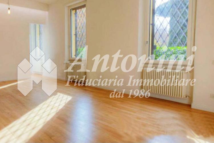 Trieste Villa Paganini Via Nomentana 150 sqm