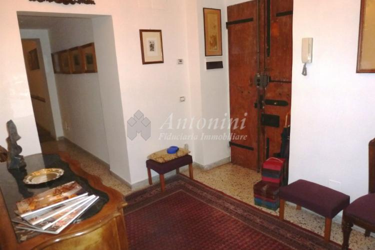 Historic Center Sallustiano Via Raffaele Cadorna 130 sqm