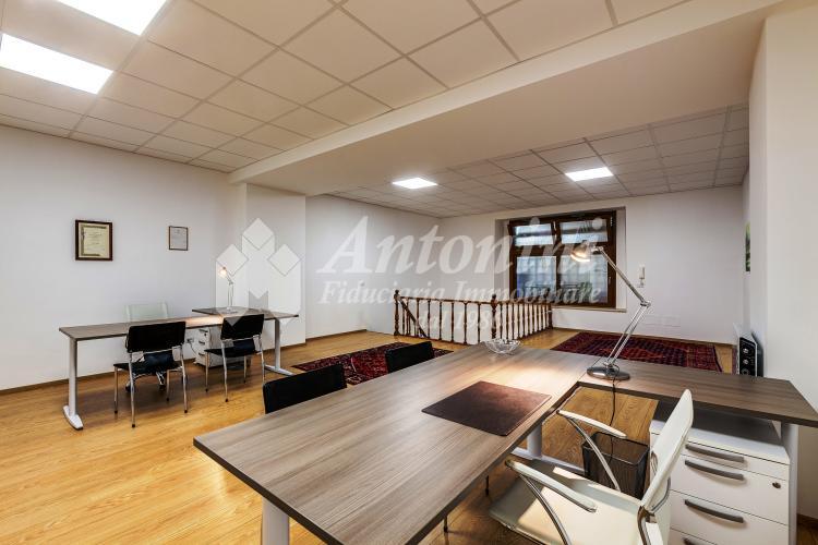 Centro Storico (Piazza del Popolo) Via A. Brunetti office on sale 135 sqm