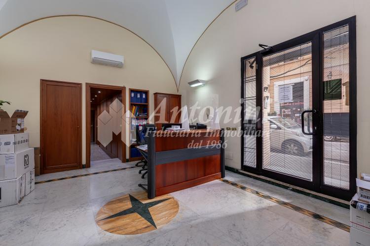 Trieste Via Ajaccio adj. Viale Gorizia Office on sale 330 sqm