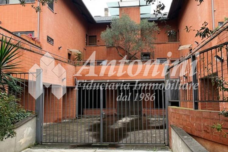 Circonvallazione Cornelia Via Gaetano Mazzoni 95 sqm