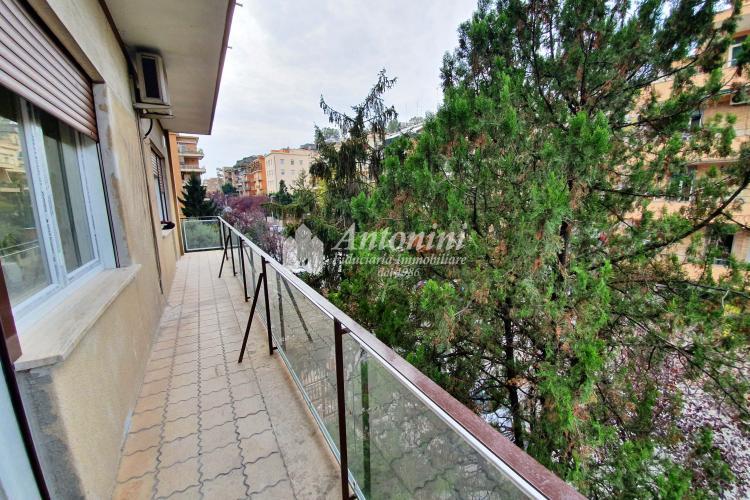 Trionfale Via San Tommaso d'Aquino 140 sqm