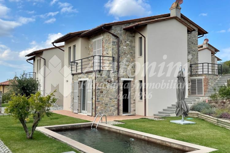 Siena - San Casciano dei Bagni Villas 320 sqm